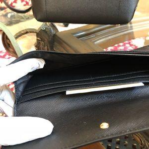 b1d32230d31e Michael Kors Bags - Michael Kors Hayes backpack wallet weekend sale